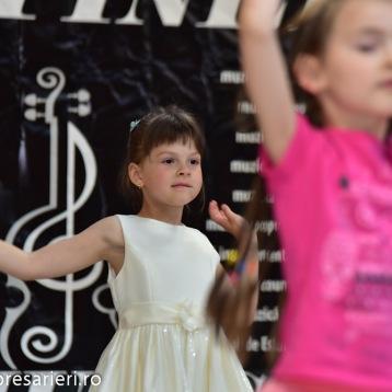 Spectacol Botosani Shopping Center - In lumea copilariei - Clubul Arlechin - 1 iunie 2016 (23 of 100)