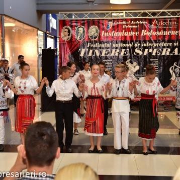 Spectacol Botosani Shopping Center - In lumea copilariei - Clubul Arlechin - 1 iunie 2016 (54 of 100)