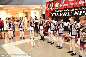 Spectacol Botosani Shopping Center - In lumea copilariei - Clubul Arlechin - 1 iunie 2016 (78 of 100)